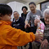 高齢者との交流