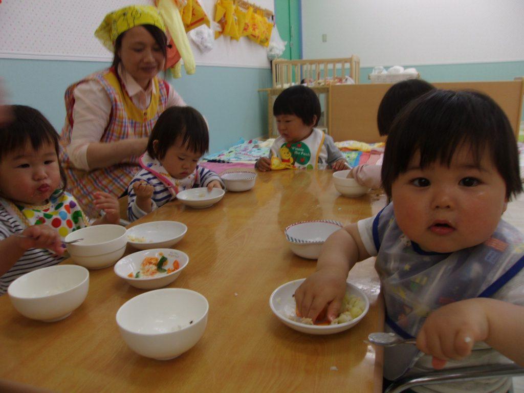 食事風景1歳児
